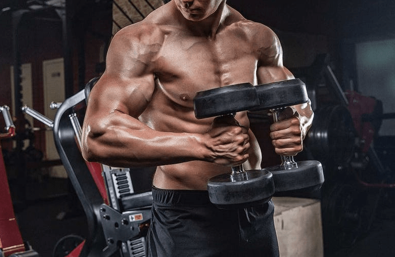 Without a bench: 9 exercises with dumbbells on the chest