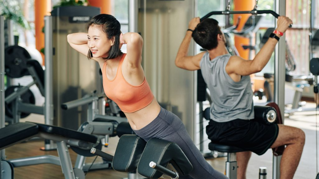 hyperextension back exercise for beginners