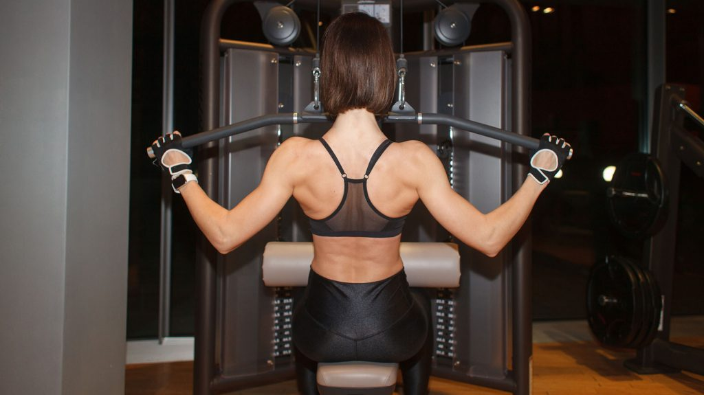 lat pulldown back exercise for beginners